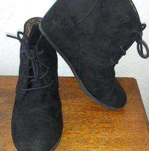 Women's black ankle boot wedges